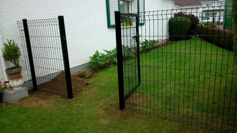 Portillon grillag style bois maulde for Cloture jardin avec portillon